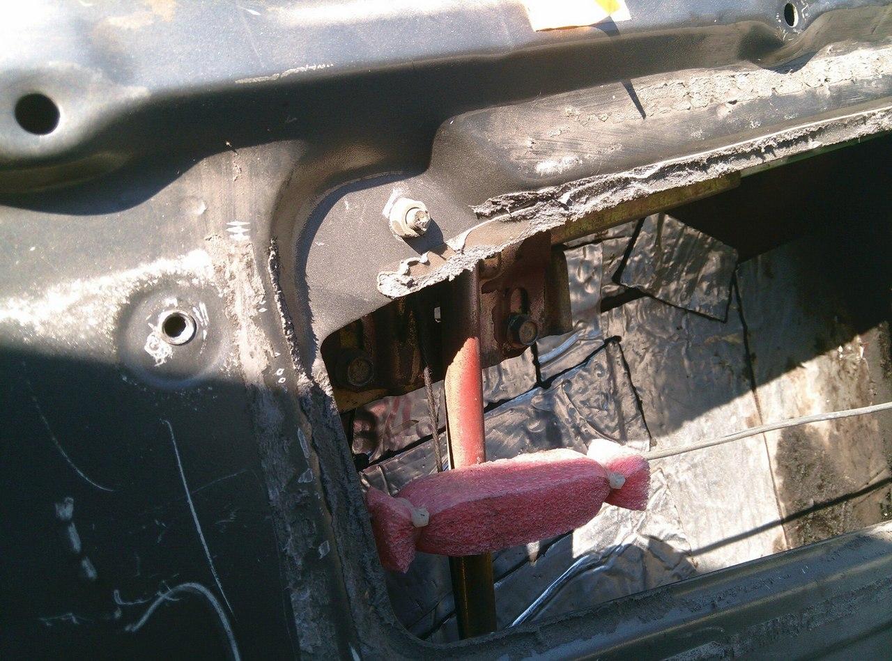 Установка электрических стеклоподъемников ГРАНАТ в передние двери ВАЗ-21099. Рис. 11