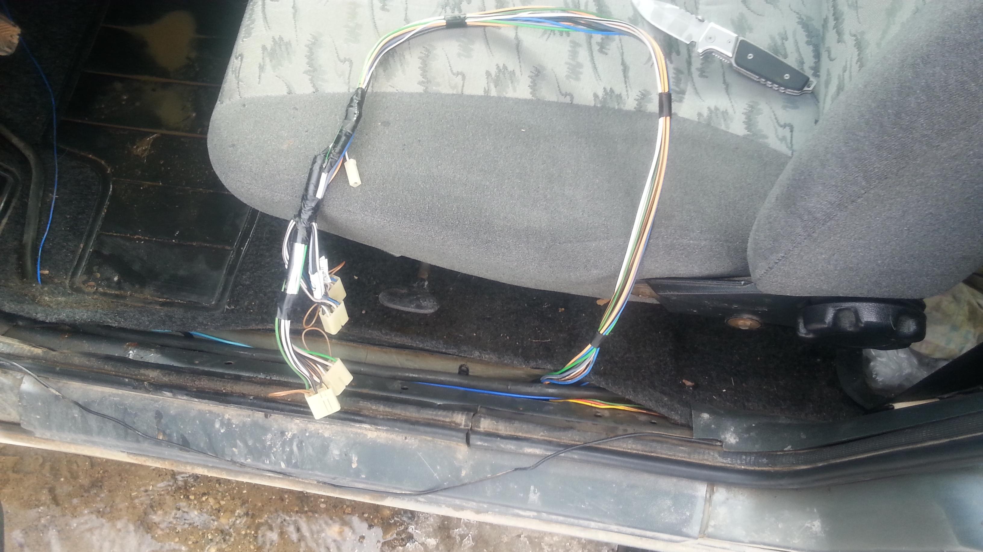 Установка блока переключателей стеклоподъемников и управления зеркалами UAZ Patriot и ГАЗель-NEXT. Рис. 8