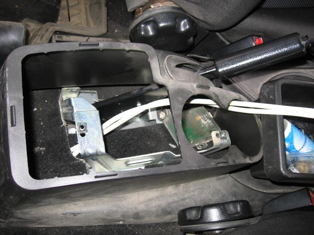 Установка электростеклоподъемников ФОРВАРД в задние двери Chevrolet NIVA. Рис. 11