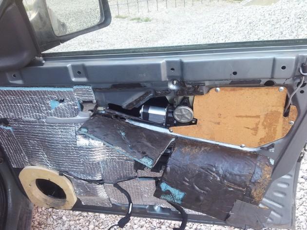 Установка стеклоподъемников ФОРВАРД в передние двери ВАЗ-2171. Рис 4