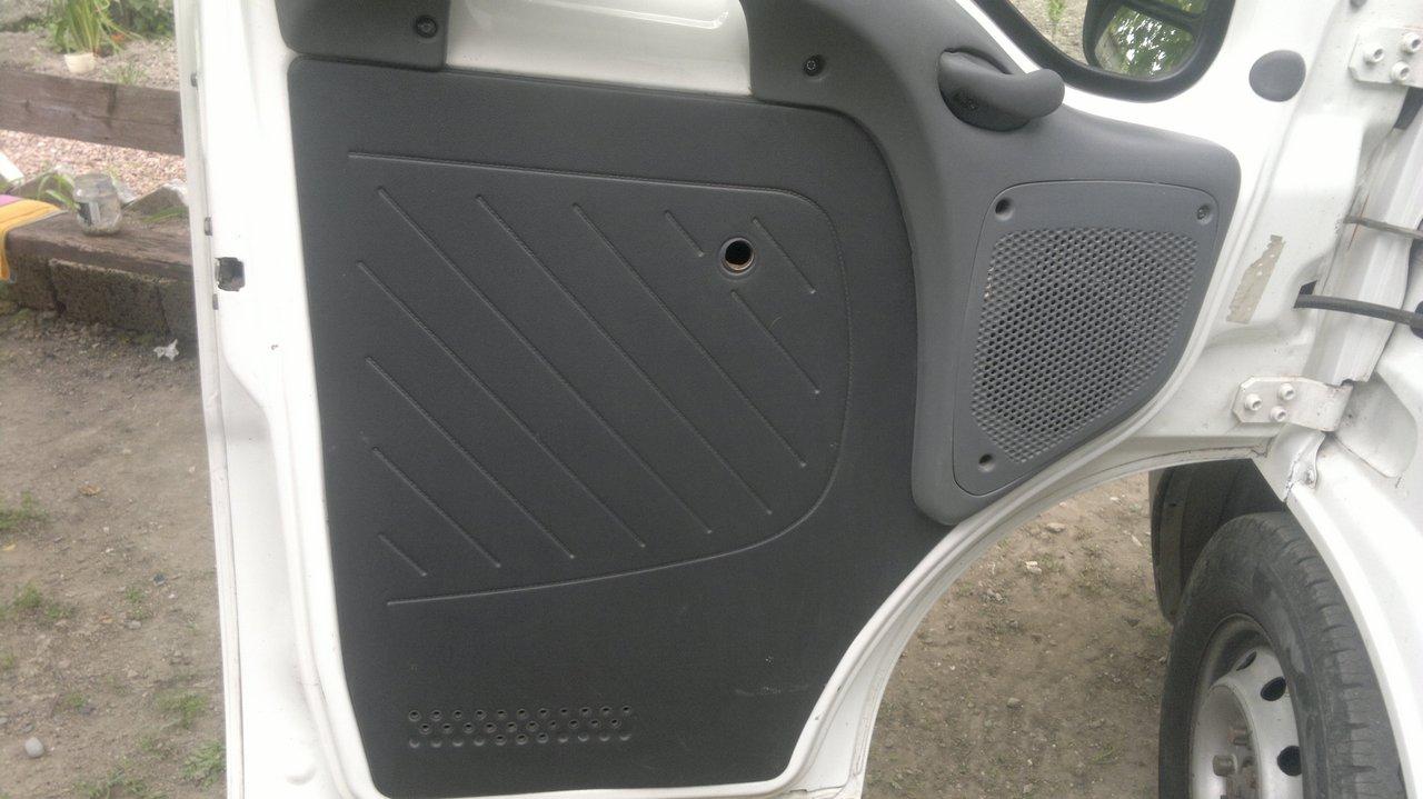 """Установка стеклоподъемников """"ФОРВАРД"""" на Fiat Ducato IV. Рис. 12"""