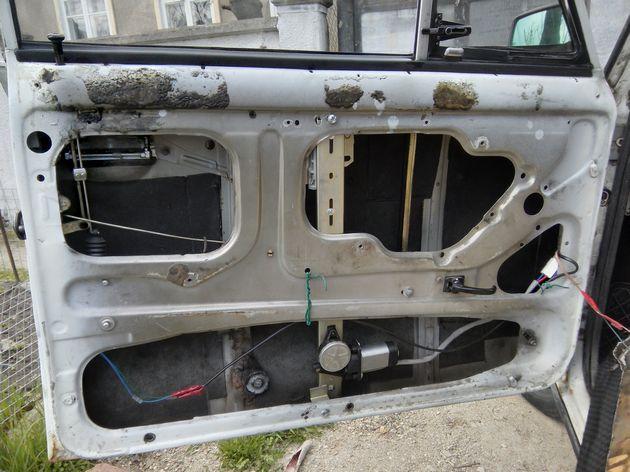Установка стеклоподъемников ФОРВАРД на ВАЗ-2106 в передние двери. Рис. 15
