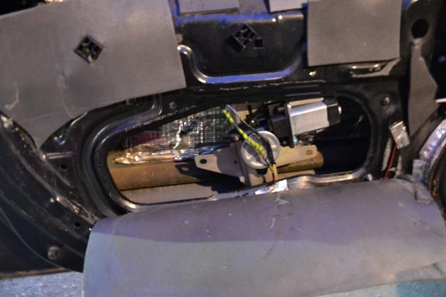 """Установка электрических стеклоподъемников """"ФОРВАРД"""" на Hyundai Accent в передние двери. Рис. 8"""