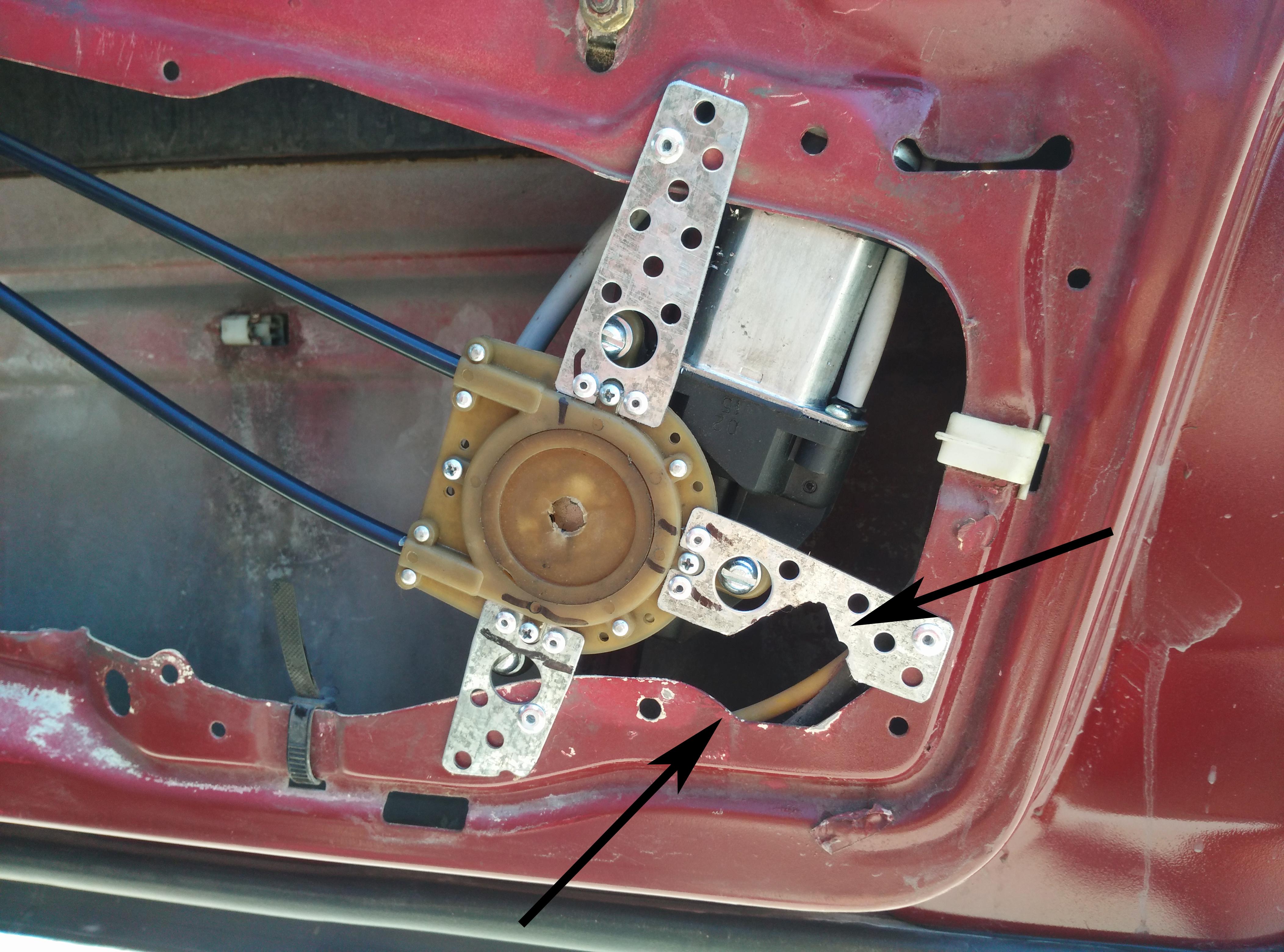 """Установка универсальных электрических стеклоподъемников """"ГРАНАТ"""" и доводчика стеклоподъемников Mongoose CWM-2 на Мерседес W124. Рис. 5"""