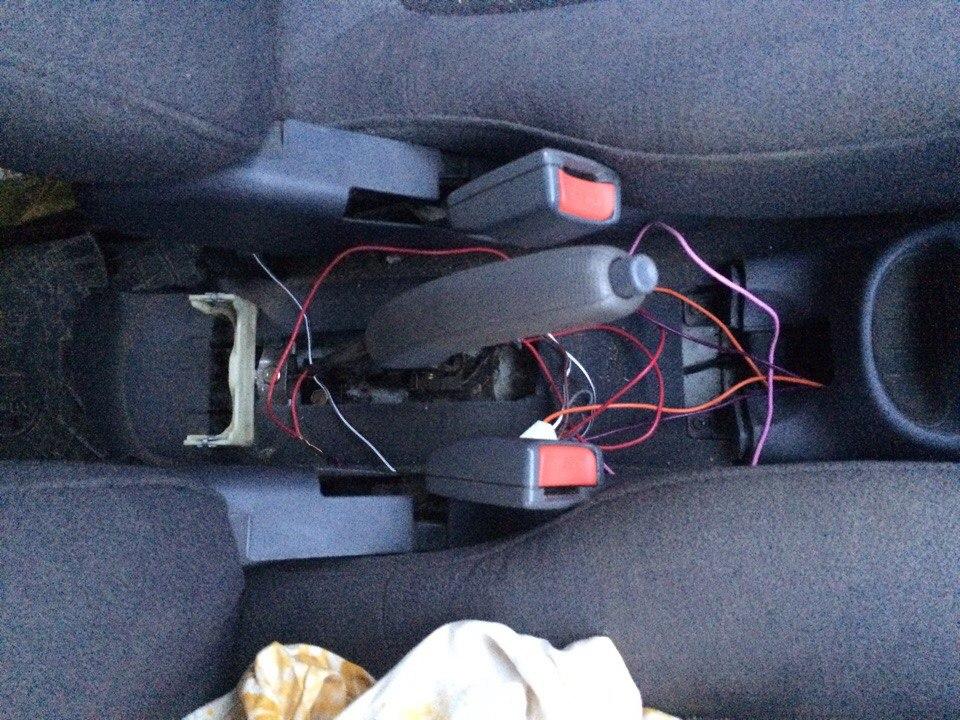 Установка стеклоподъемников ФОРВАРД в передние двери Hyundai Accent. Рис. 9