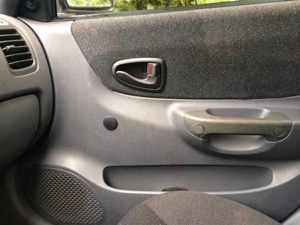 Установка стеклоподъемников ФОРВАРД в передние двери Hyundai Accent. Рис. 14