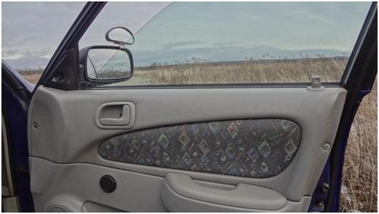 Установка универсальных электростеклоподъемников TITAN PW2 на Toyota Corolla. Рис. 30