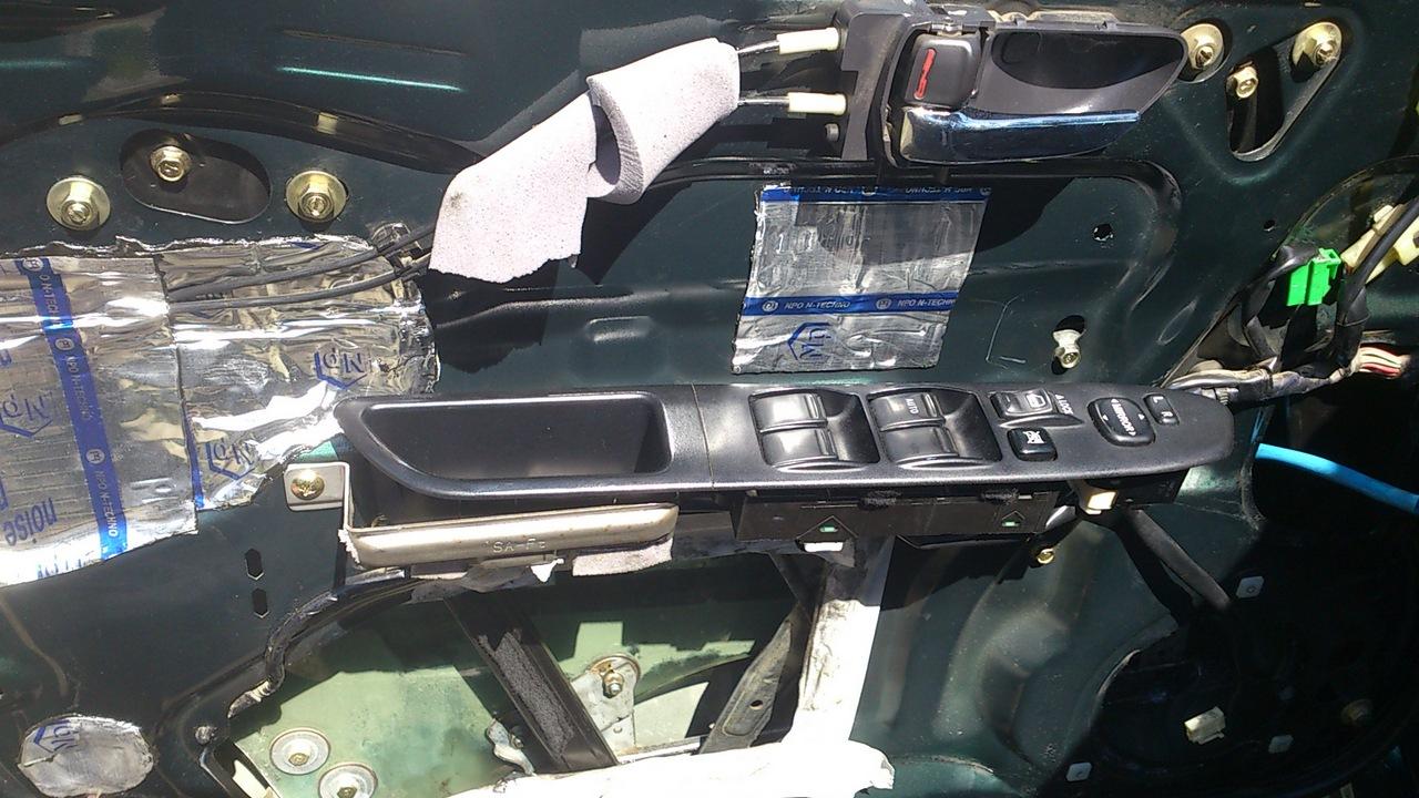 Установка моторедуктора ZD12401 на Субару Форестер SG. Рис. 3