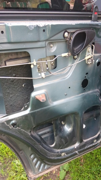 "Установка передних и задних электростеклоподъемников ""ФОРВАРД"" на Chevrolet NIVA. Рис 9"