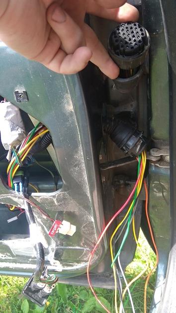 "Установка передних и задних электростеклоподъемников ""ФОРВАРД"" на Chevrolet NIVA. Рис 16"