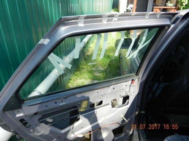 """Установка стеклоподъемников """"ФОРВАРД"""" на ВАЗ-2112 в задние двери РИС. 4"""