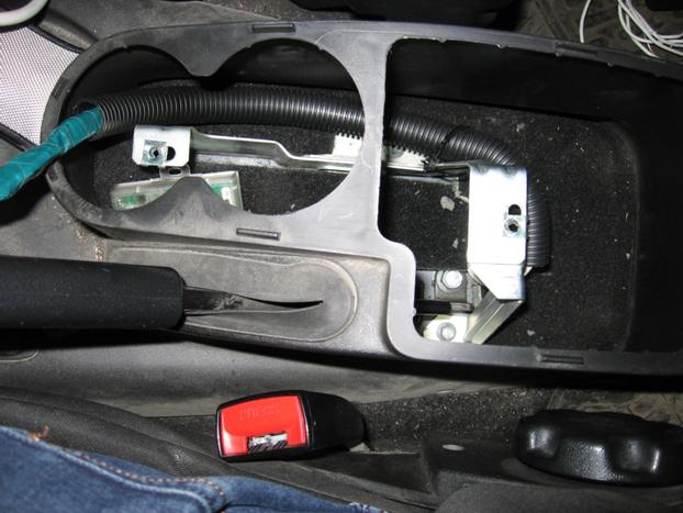 Установка электростеклоподъемников ФОРВАРД в задние двери Chevrolet NIVA. Рис. 12