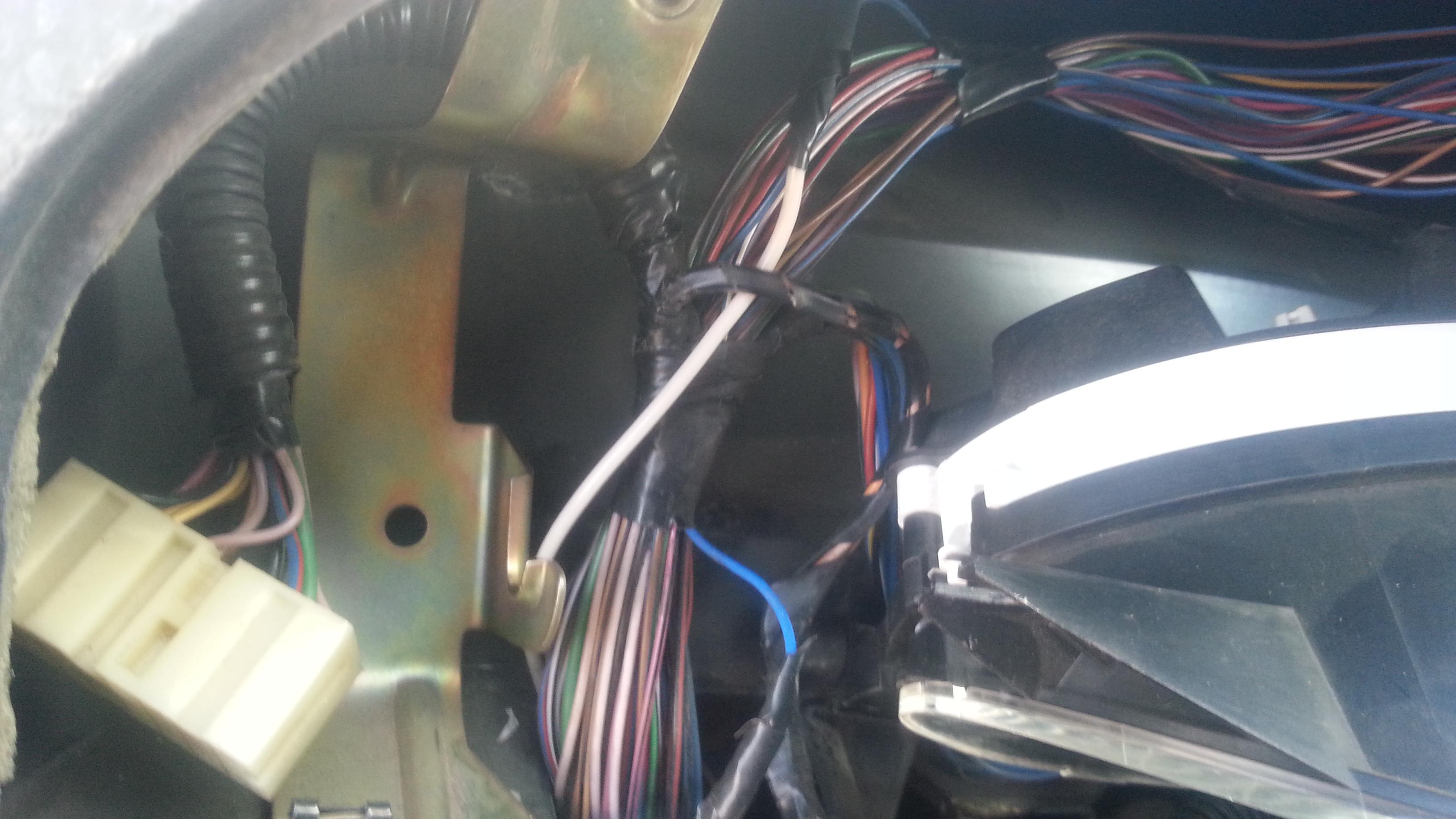 Установка блока переключателей стеклоподъемников и управления зеркалами UAZ Patriot и ГАЗель-NEXT. Рис. 17
