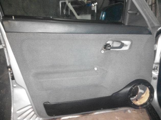 Установка стеклоподъемников ФОРВАРД в передние двери ВАЗ-21124. Рис. 20