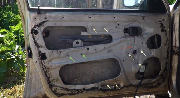 """Установка электростеклоподъемников """"КАТРАН"""" в передние двери Daewoo Nexia. Рис 6"""