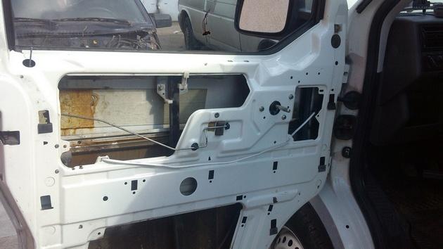 """Установка на VW Transporter T4 электростеклоподъемников """"ГРАНАТ"""" и доводчика стеклоподъемников Pandora DWM-210 Рис. 6"""