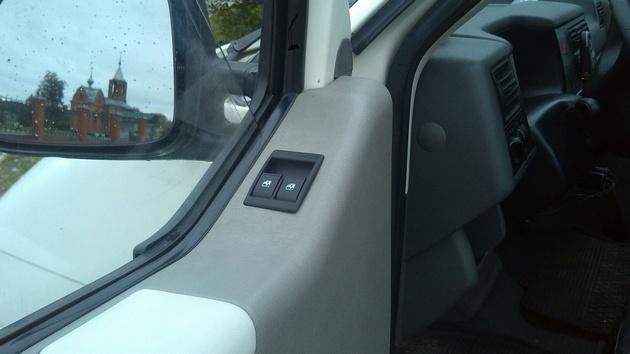 """Установка на VW Transporter T4 электростеклоподъемников """"ГРАНАТ"""" и доводчика стеклоподъемников Pandora DWM-210 Рис. 34"""