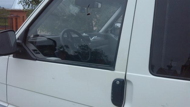 """Установка на VW Transporter T4 электростеклоподъемников """"ГРАНАТ"""" и доводчика стеклоподъемников Pandora DWM-210 Рис. 36"""