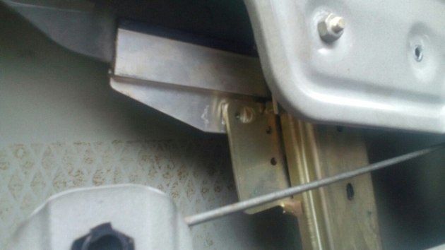 "Установка электрических стеклоподъемников ""ФОРВАРД"" в передние двери Daewoo Nexia. Рис. 5"