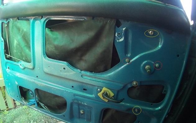 """Установка электрических стеклоподъемников """"ФОРВАРД"""" на ВАЗ-2107 в передние двери. Рис. 3"""