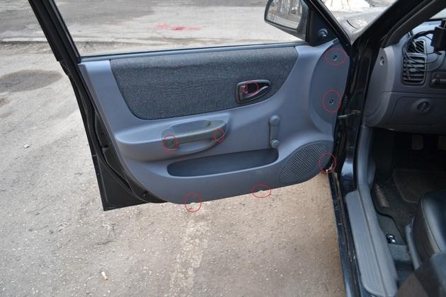 """Установка электрических стеклоподъемников """"ФОРВАРД"""" на Hyundai Accent в передние двери. Рис. 1"""