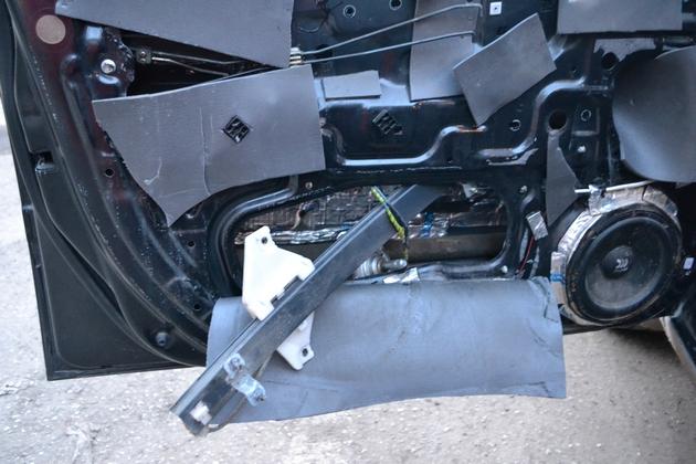 """Установка электрических стеклоподъемников """"ФОРВАРД"""" на Hyundai Accent в передние двери. Рис. 6"""