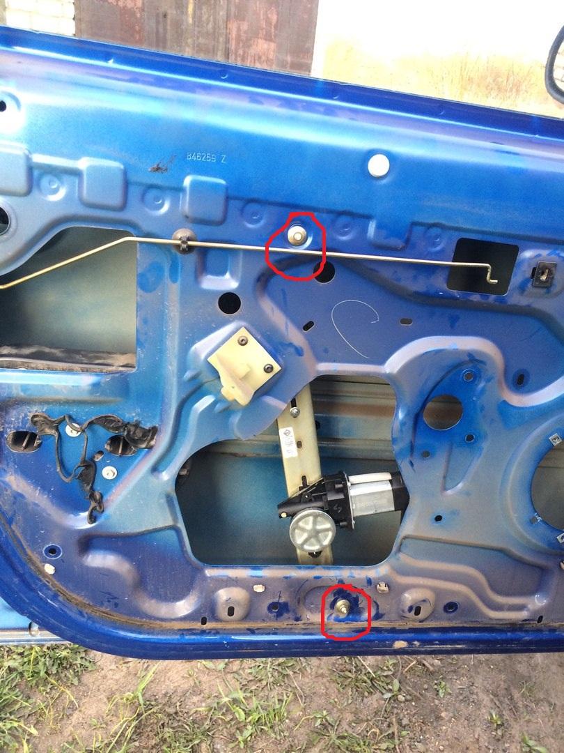 "Установка электростеклоподъемников ""ФОРВАРД"" на Renault Logan I в передние двери. Рис. 13"