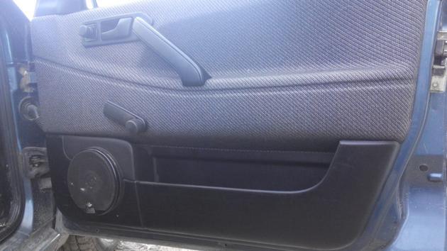 """Установка электрических стеклоподъемников """"ГРАНАТ"""" на VW Passat B3. Рис. 12"""