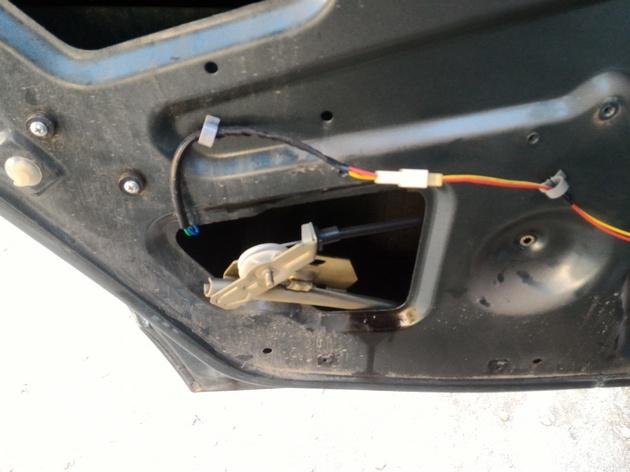 Установка задних электростеклоподъемников для ВАЗ-2110. Рис. 5