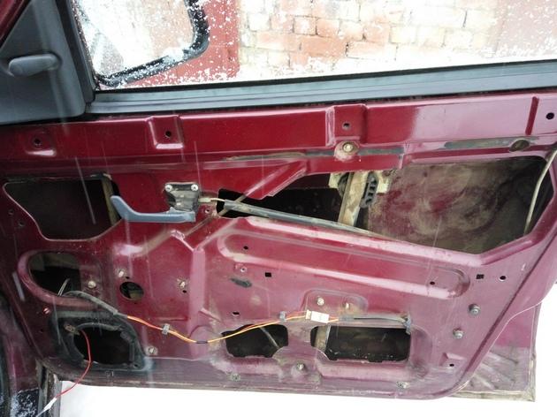 """Установка электростеклоподъемников """"ФОРВАРД"""" на ВАЗ-2110 в передние двери. Рис. 7"""