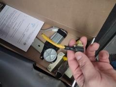Фотоотчет о замене переднего левого стеклоподъемника на Kia Spectra